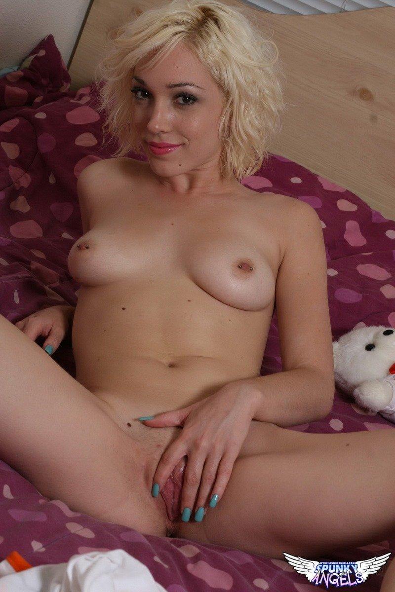 Lily La Beau